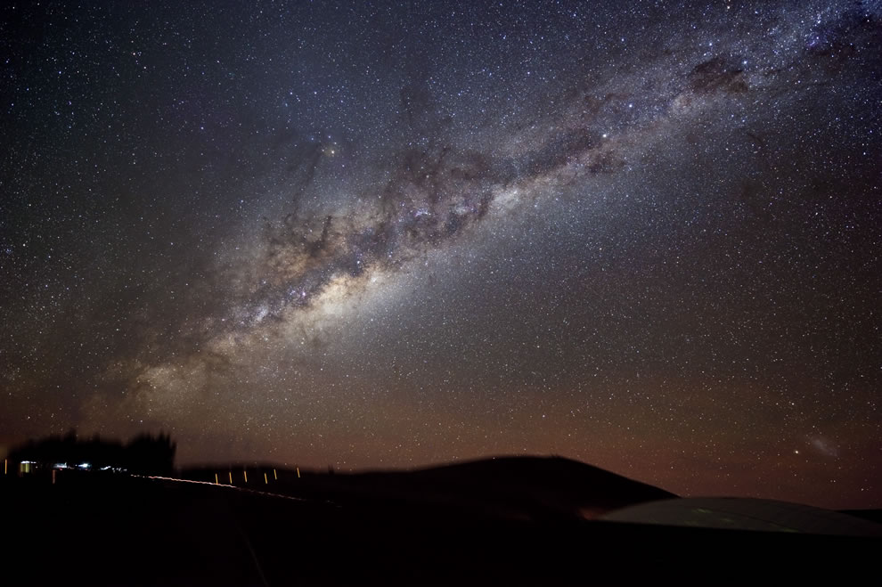 the-milky-way-shines-on-paranal